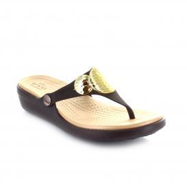 Sandalia para Mujer Crocs SAEW Color Espresso